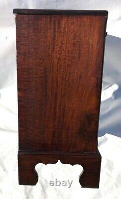 Small Antique Oak Bachelors Chest / Chest of Drawers / Desk Oak Lined Drawers