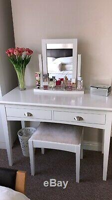 White Dressing Table Makeup Desk Set With Stool Drawers and Mirror/Chest Drawer